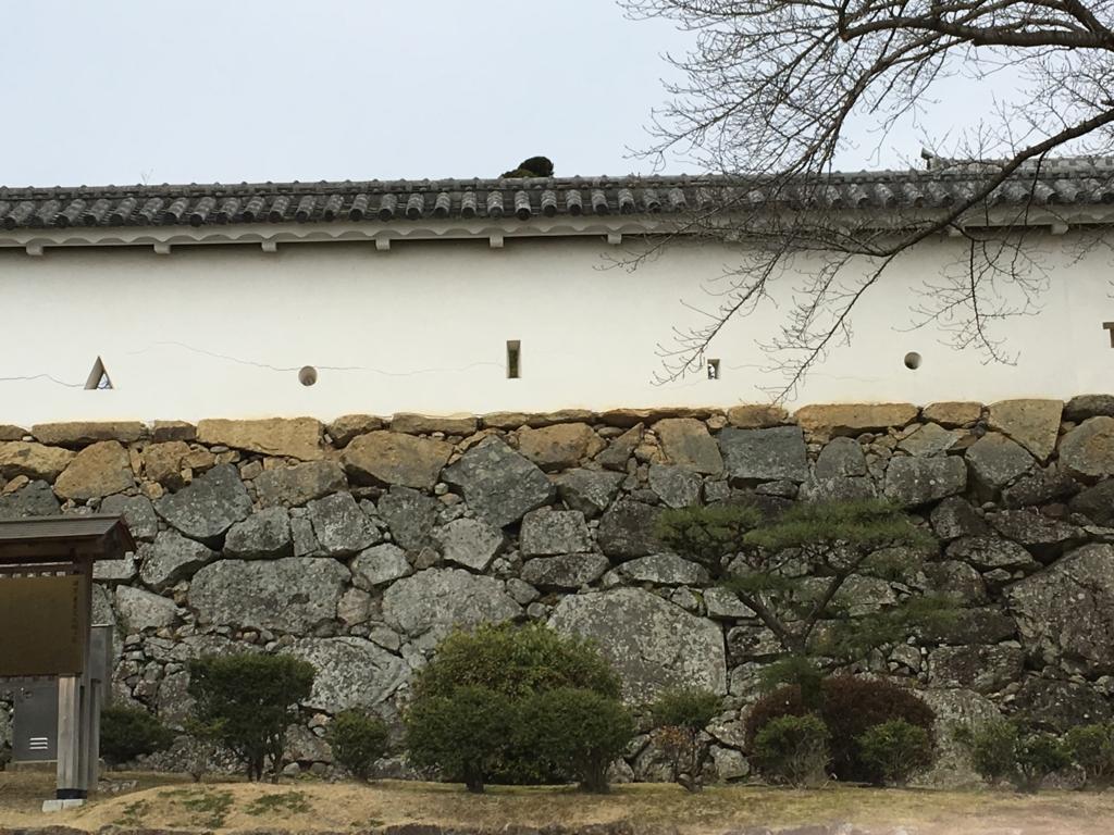 姫路城 壁 さま 外側