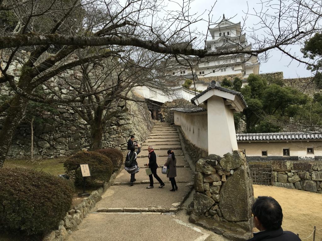姫路城 テレビ上映で有名な 坂