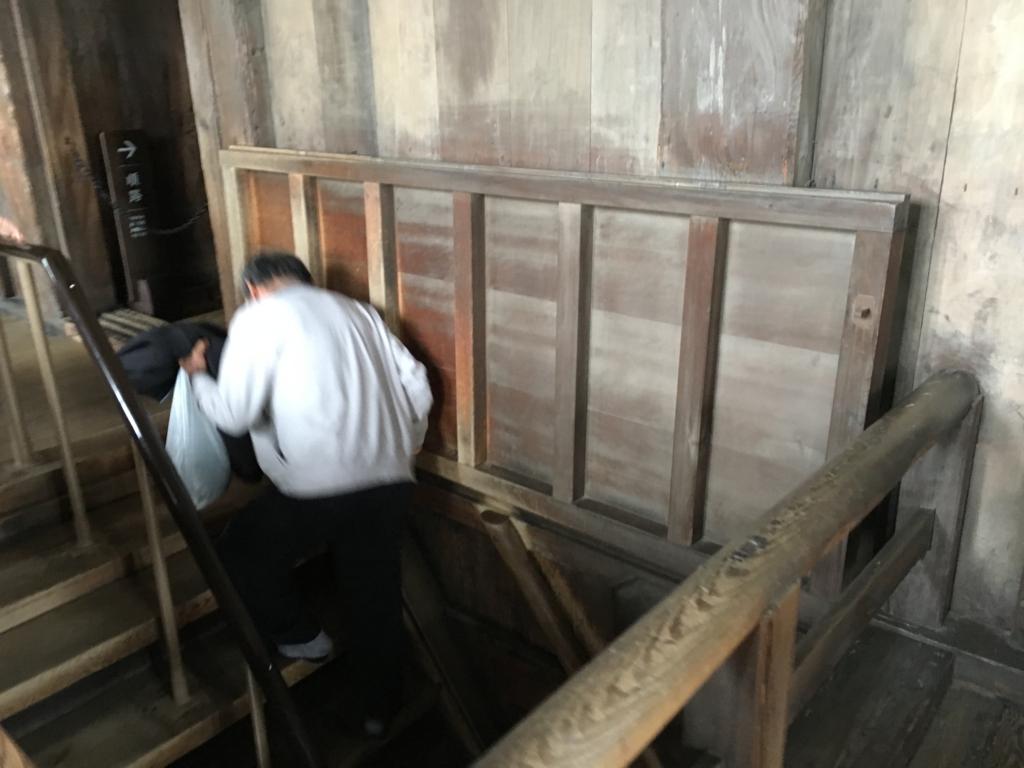 姫路城 城内 階段 蓋