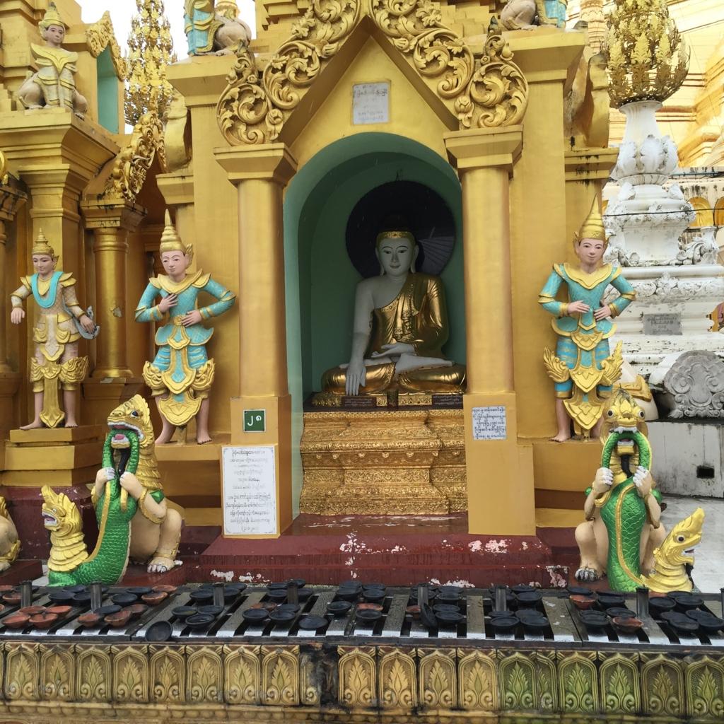 ミャンマー シュエダゴン・バゴダ いろいろな像
