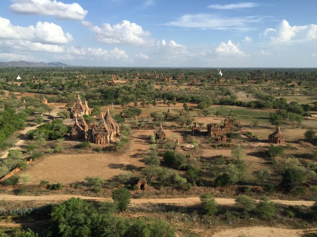 ミャンマー バガンビュータワー 展望台からの風景 望遠にて