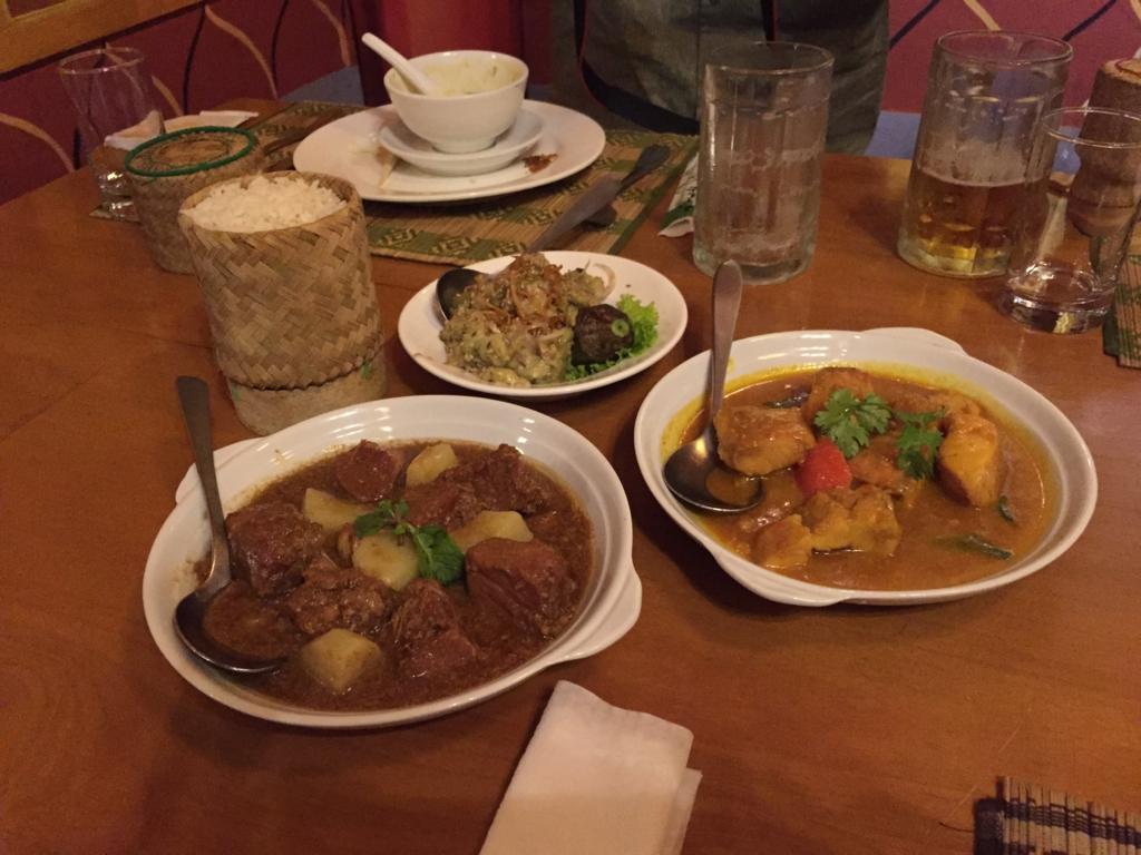 ミャンマー ヤンゴン Padonmar カレーとライス
