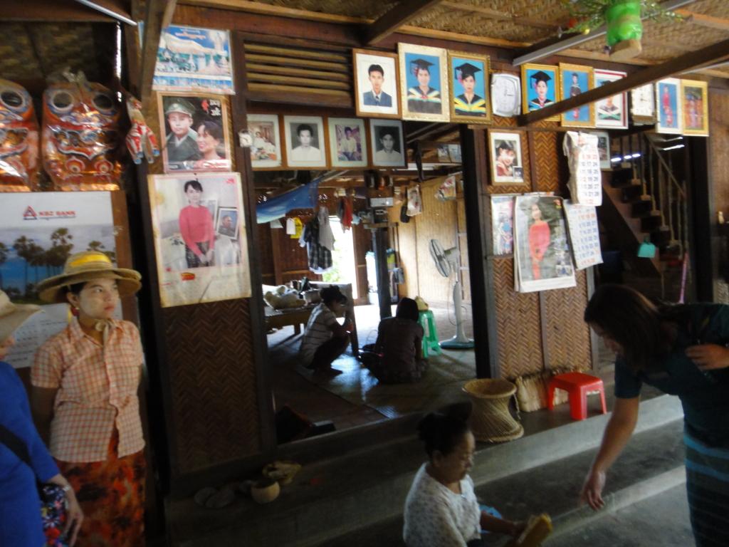 ミャンマー バガン 地元の村 エリート民家