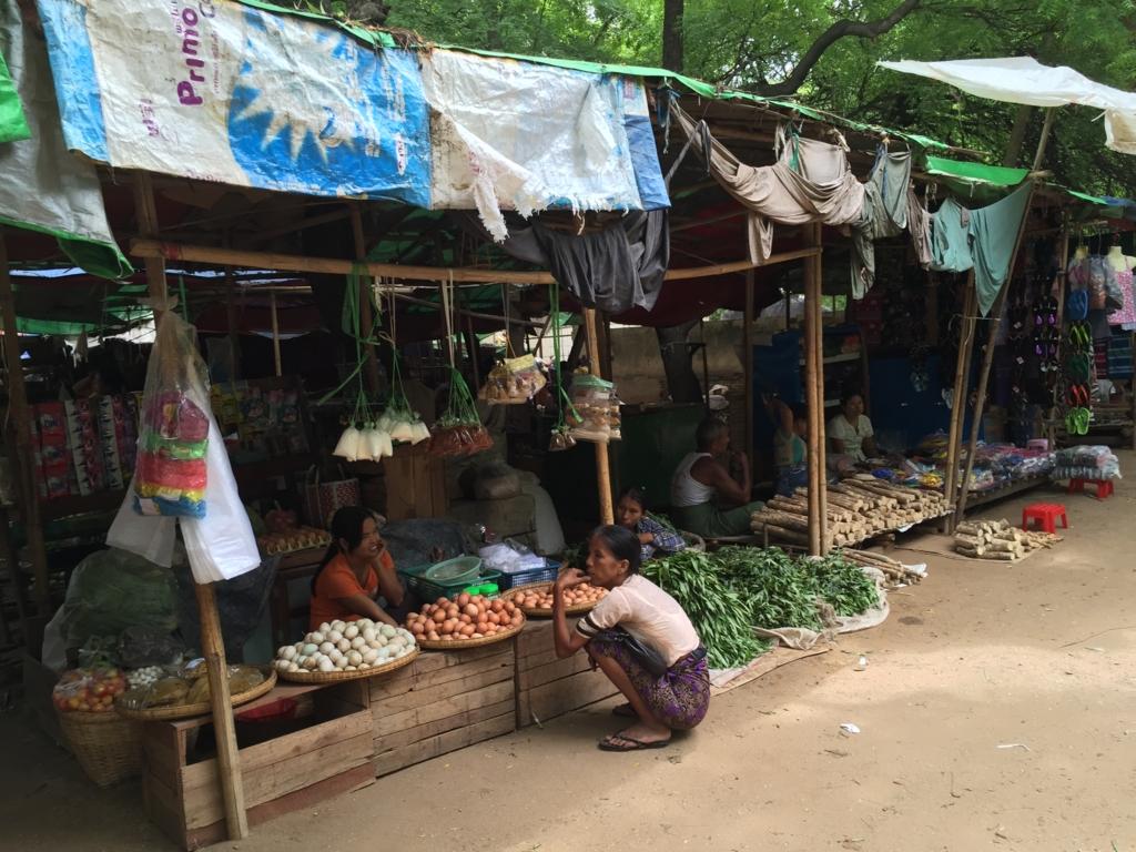 ミャンマー バガン ニャンウー・マーケット 卵屋