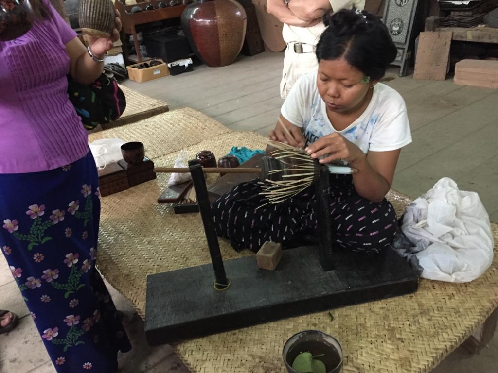 ミャンマーバガン 漆塗り 土台 馬の尻尾使用