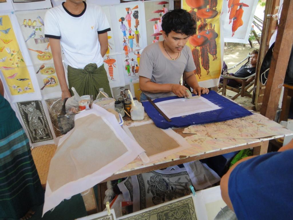 ミャンマーバガン 砂絵 行程 砂をまく