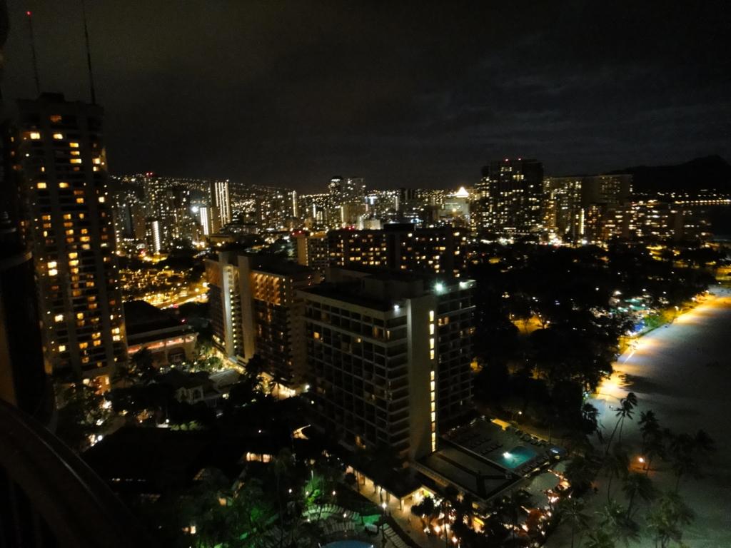 ヒルトン・ハワイアン・ビレッジ・ワイキキ 部屋からの夜景