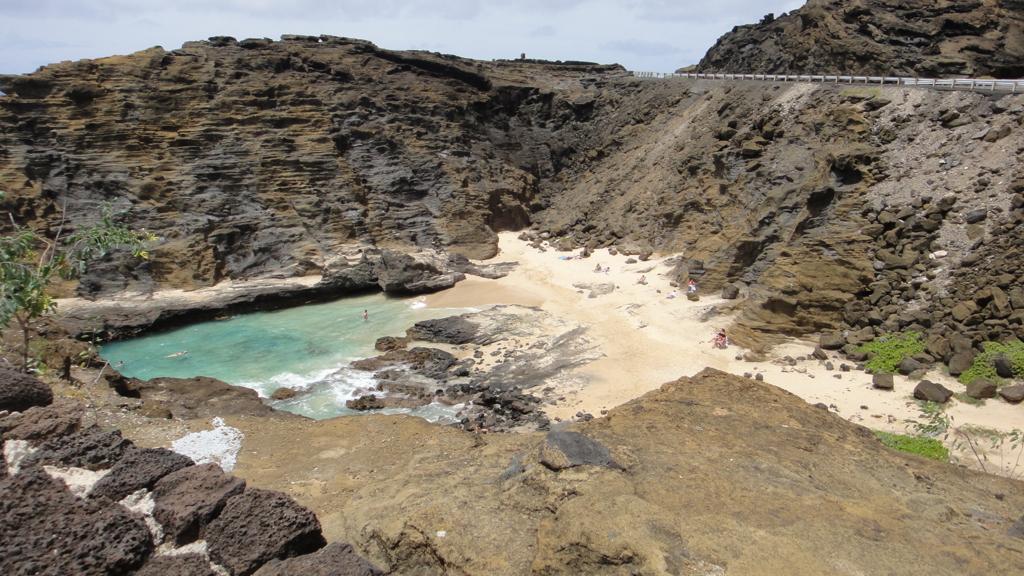 ハワイ オアフ島 ハロナ潮吹き穴 そばの海岸
