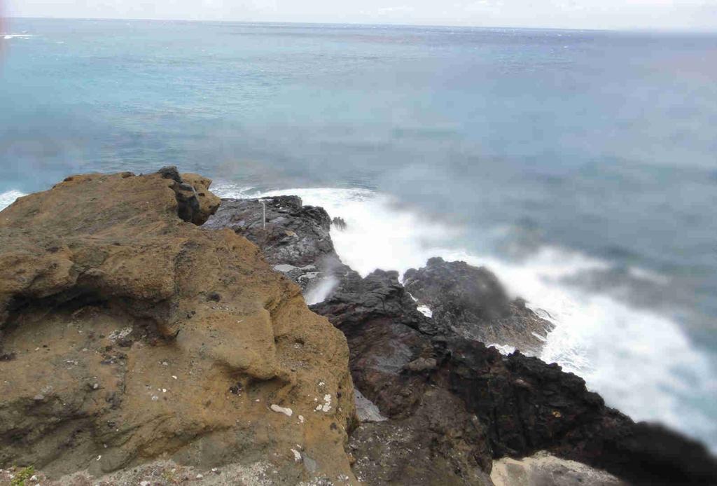 ハワイ オアフ島 ハロナ潮吹き穴