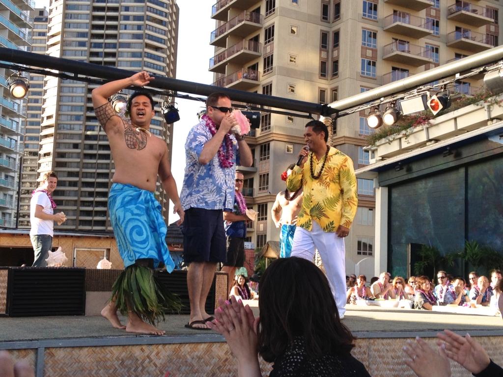 ハワイ オアフ島 ヒルトンハワイアンビレッジ 伝統ルアウ ホラ貝