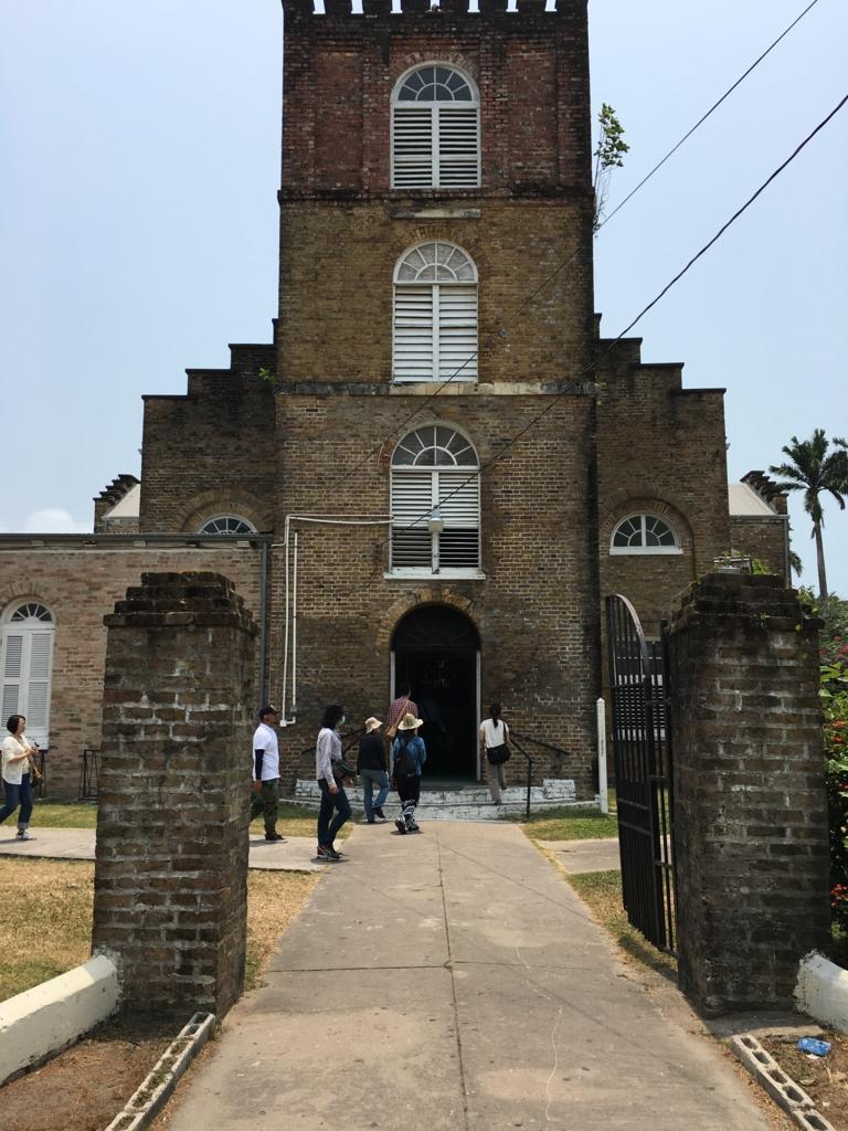 ベリーズシティ 市内 教会