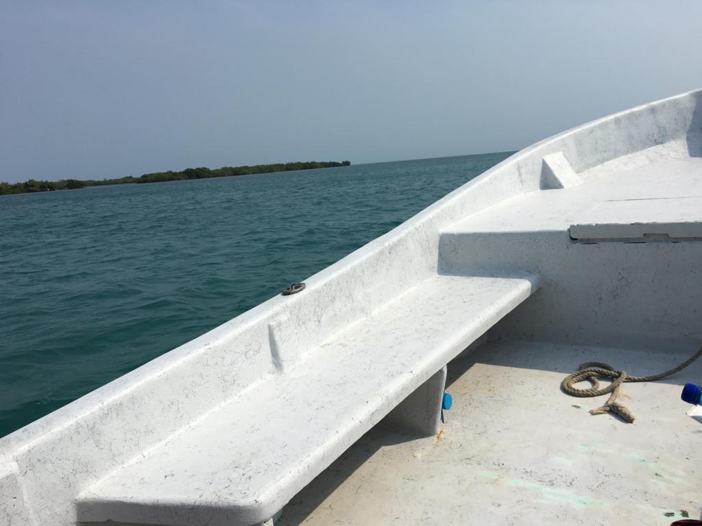 ベリーズシティ ゴフ島へ 海上