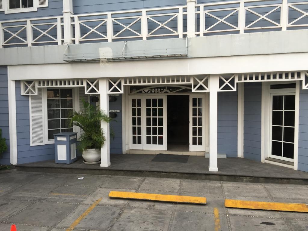グアテマラ フローレス ホテル カソナ デル ラゴ 入り口