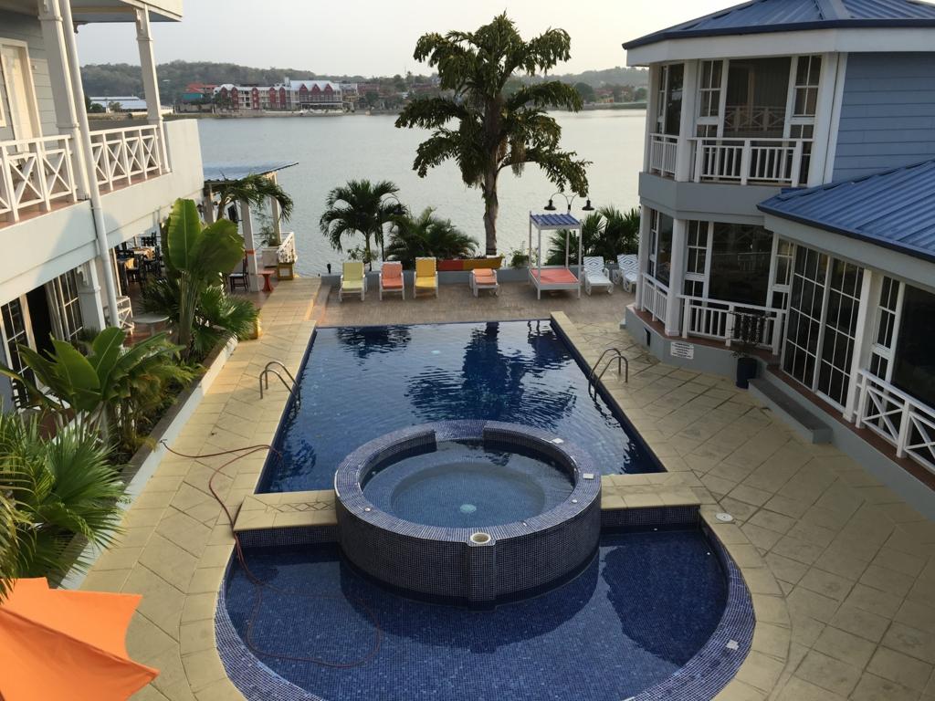 グアテマラ フローレス ホテル カソナ デル ラゴ プール