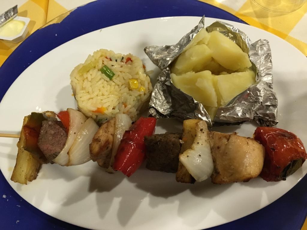 グアテマラ フローレス ホテル カソナ デル 夕食 ピンチョス