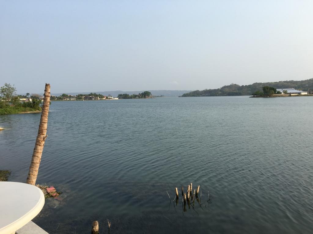 グアテマラ フローレス ホテル カソナ デル ラゴ  からペテン・イツァ湖