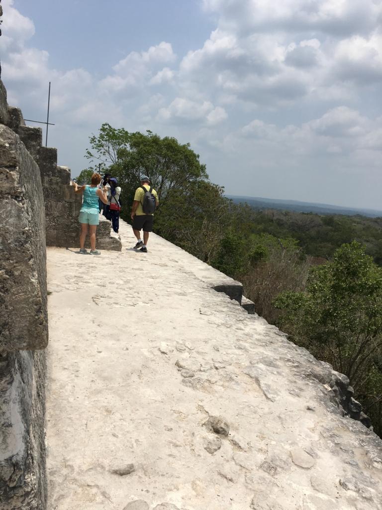 グアテマラ ティカル国立公園 4号神殿 頂上