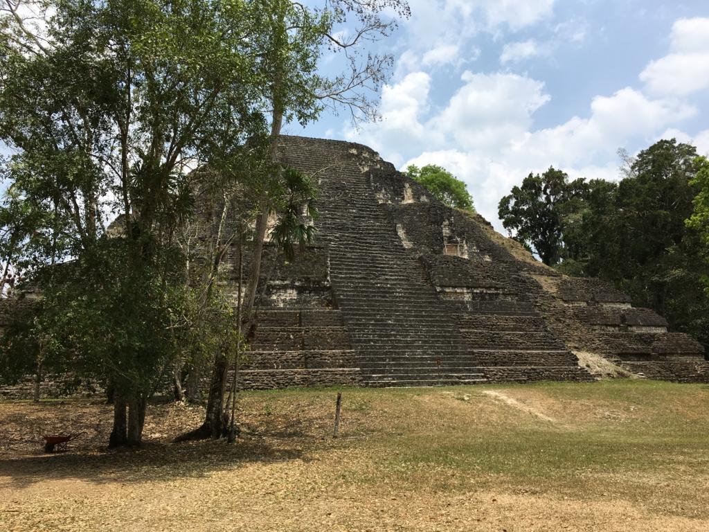 グアテマラ ティカル遺跡 「失われた世界」ピラミット