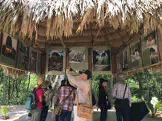 グアテマラ ティカル遺跡 「5号神殿」発掘模様 展示