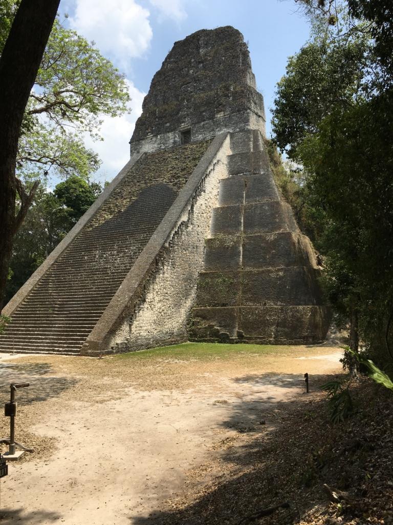 グアテマラ ティカル遺跡 「5号神殿」