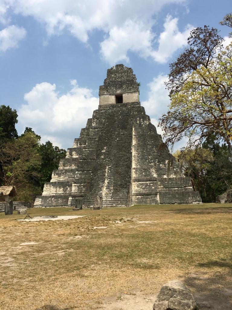 グアテマラ ティカル遺跡 1号神殿 正面