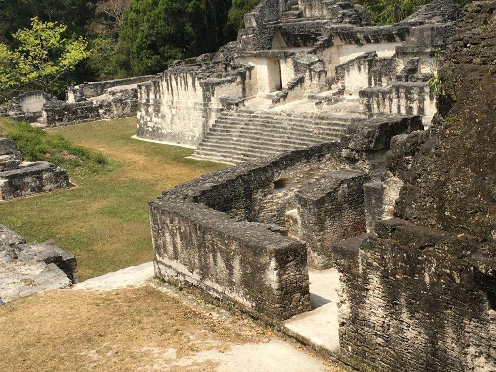 グアテマラ ティカル遺跡 セントラルアクロポリス 内部