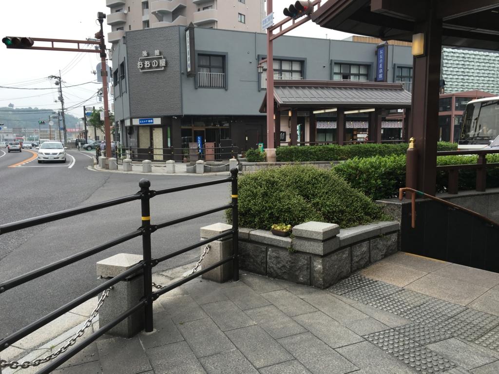 JR宮島口駅 正面の道路 渡れない
