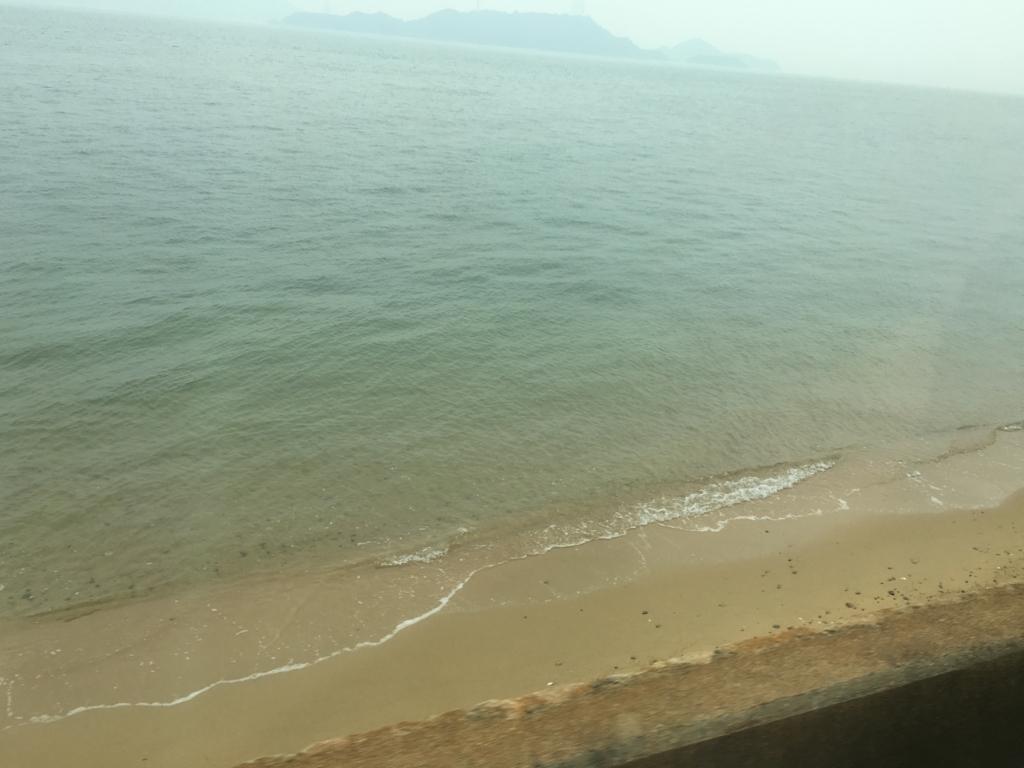 呉線 広行 列車からの風景 海岸スレスレ