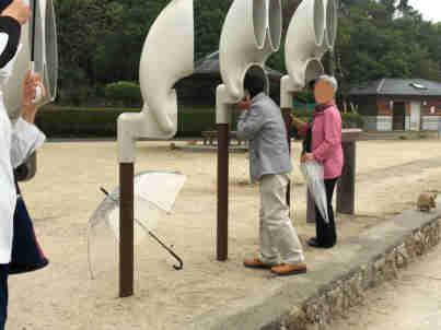 2回目のうさぎ島 「休暇村 大久野島」朝のお散歩会 うさ耳集音機