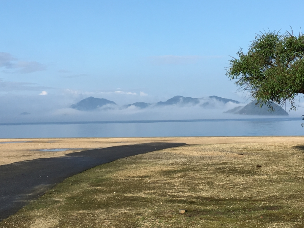 2回目のうさぎ島 大久野島早朝 休暇村より 海岸側の景色