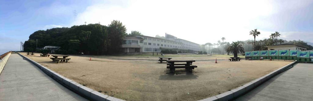 2回目のうさぎ島 大久野島早朝 ホテル側 パノラマ