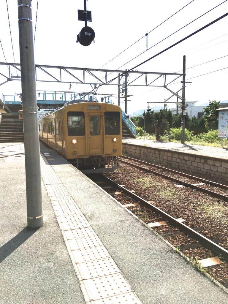 2回目のうさぎ島呉線 忠海駅 広行 列車到着