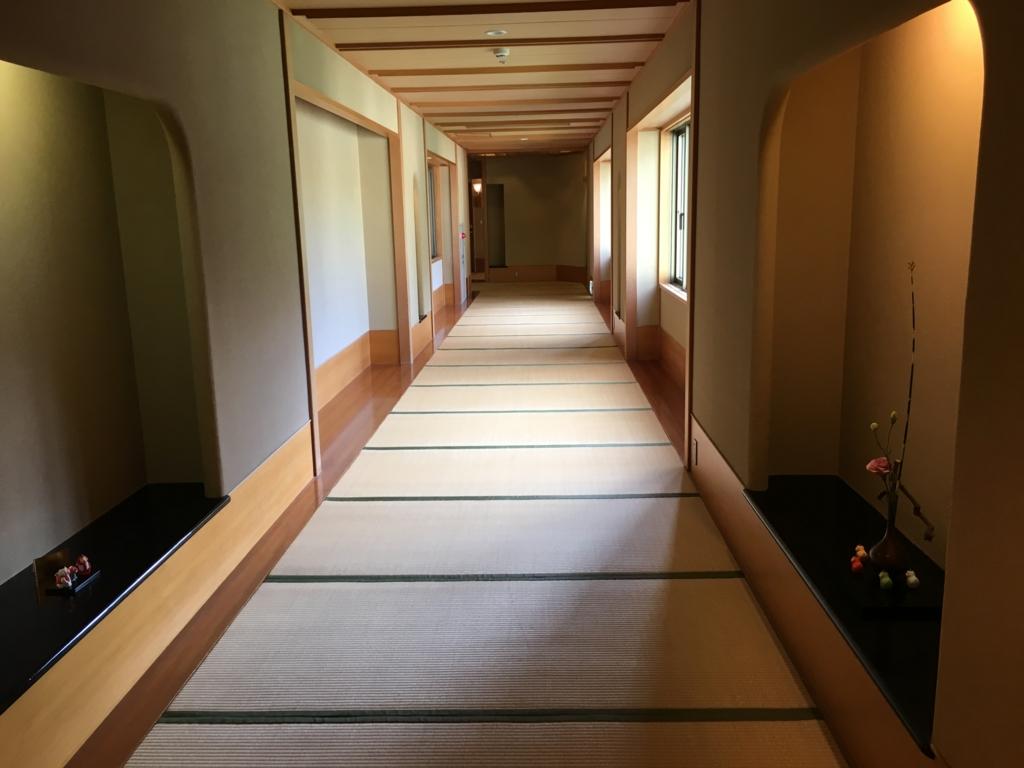 「星野リゾート界 日光」3階 畳の廊下