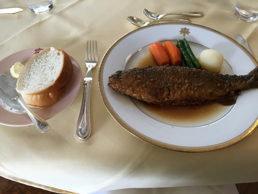 日光金谷ホテル メインダイニングルーム ランチ 日光虹鱒のソテー 金谷風