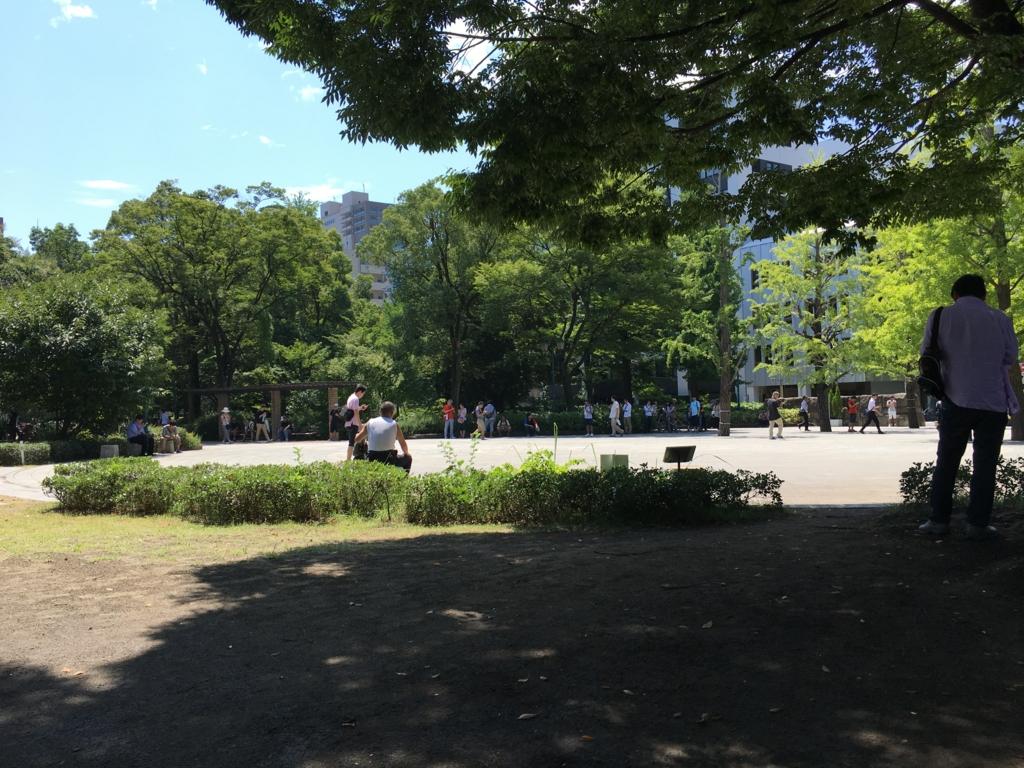 「浜町公園」平日お昼 ポケモントレーナーの方達