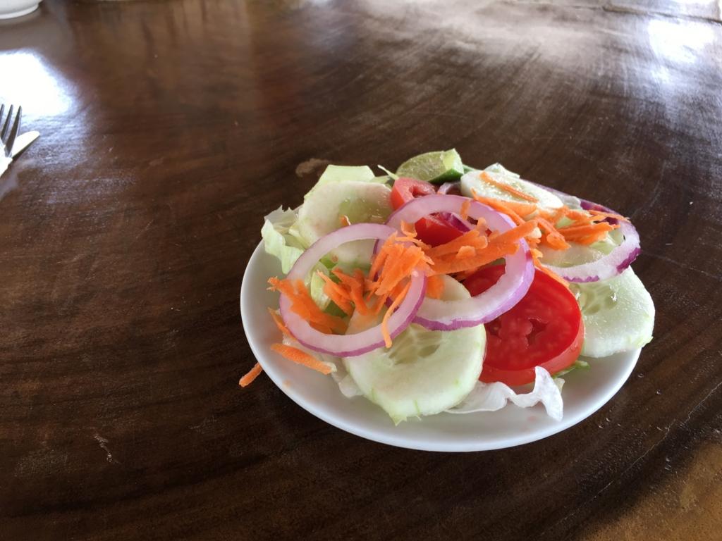 グアテマラ 「Restaurante Ranchon Mary」ランチ サラダ