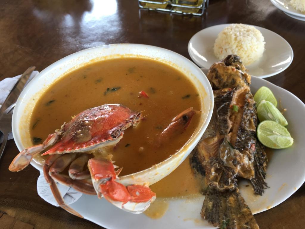 グアテマラ 「Restaurante Ranchon Mary」ランチ コクのあるスープ
