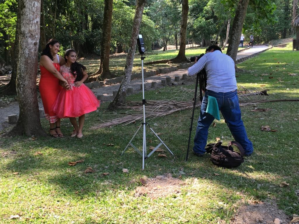 グアテマラ キリグア遺跡 15際 お祝い記念撮影