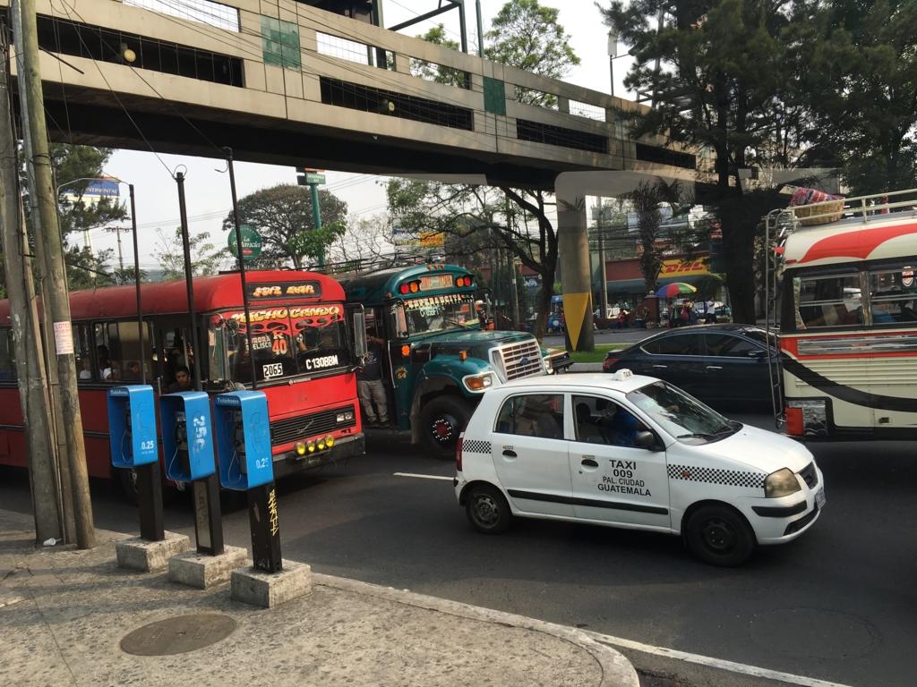 グアテマラシティ アンテグアからの道路の渋滞