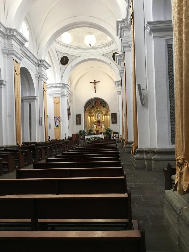 グアテマラ アンティグア ラ・メルセー教会内