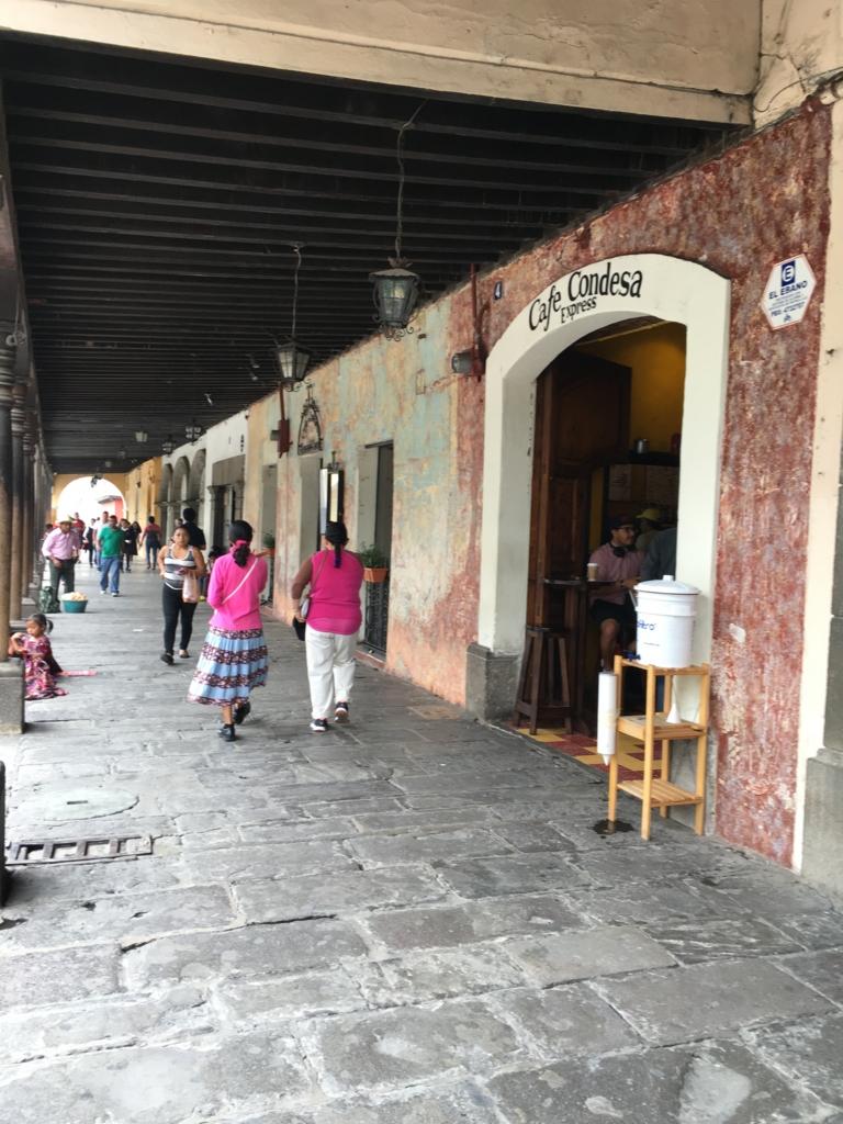 グアテマラ アンティグア ショッピング通り