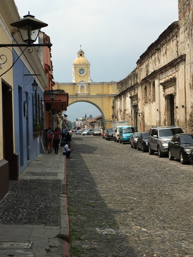 グアテマラ アンティグア 時計台