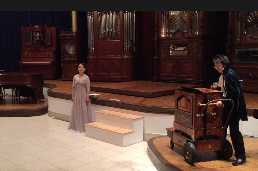 「河口湖オルゴールの森」タイタニックショー オルゴールとオペラ歌手の競演