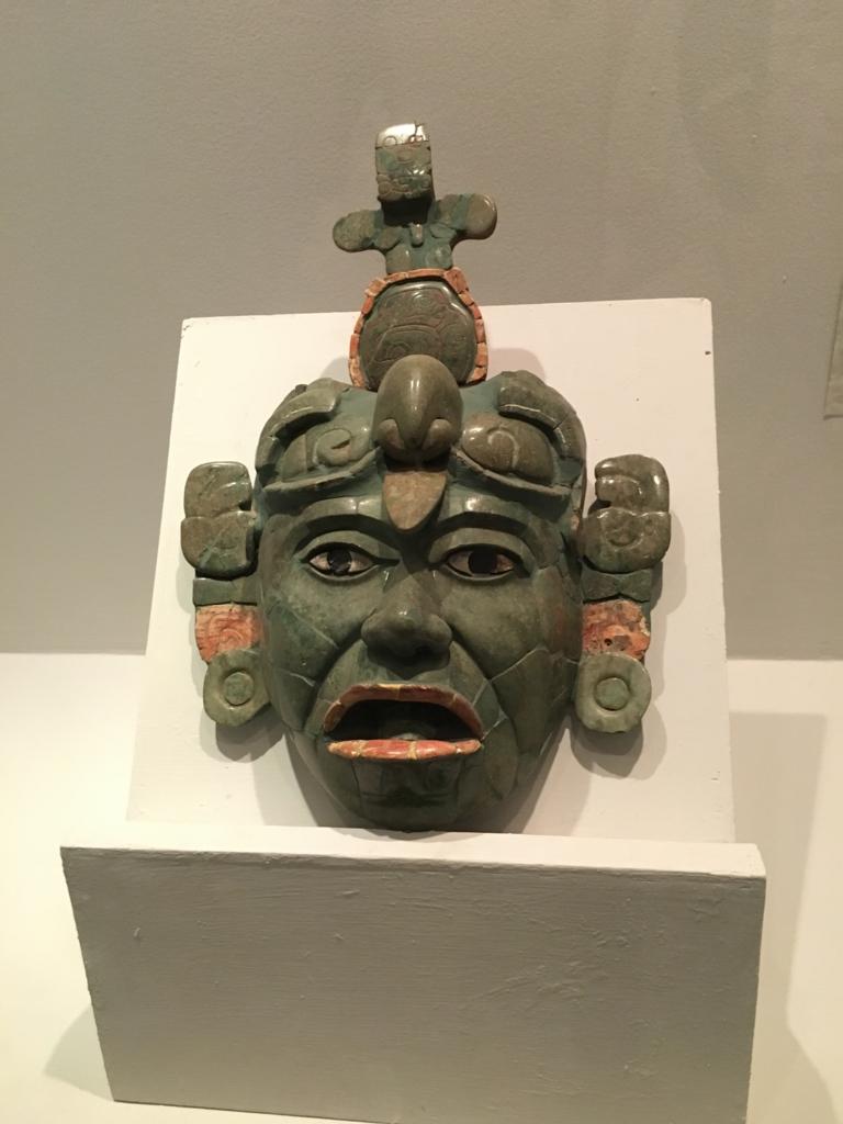 「グアテマラ考古学民俗学博物館」特別室 翡翠の葬送面