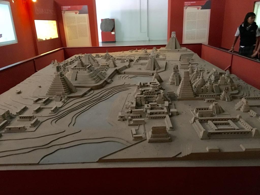 「グアテマラ考古学民俗学博物館」ティカル遺跡の模型