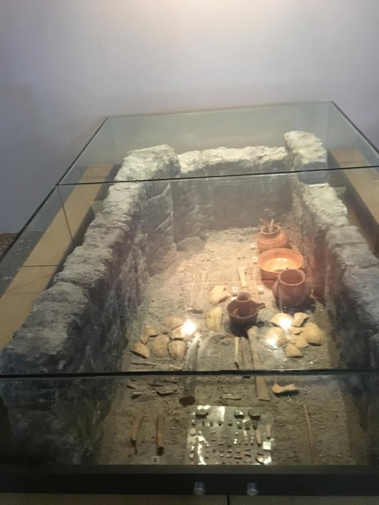 「グアテマラ考古学民俗学博物館」発掘現場再現