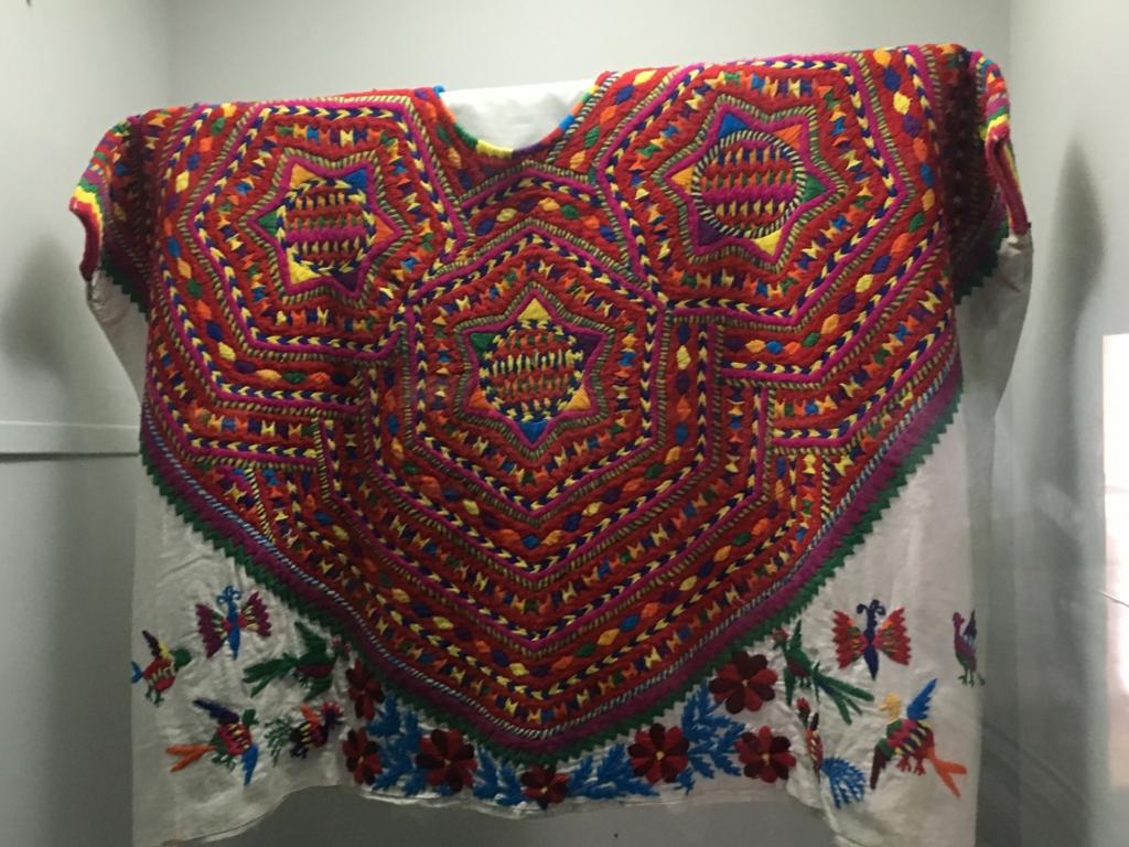 「グアテマラ考古学民俗学博物館」民俗学展示 伝統的な刺繍