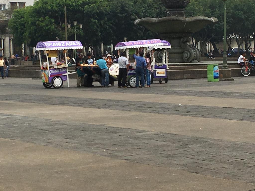 グアテマラシティ市内 中央公園の屋台
