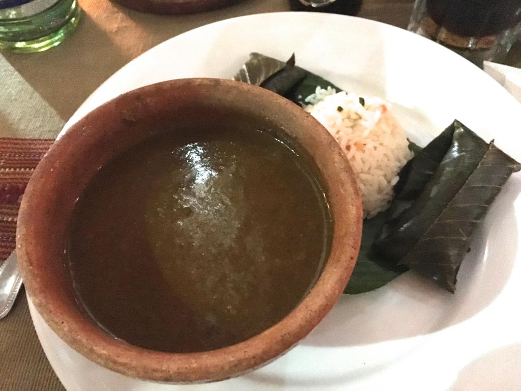 グアテマラシティ 最後の夕食 名物料理のスープ