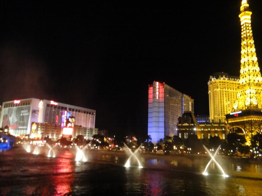 ラスベガス ベラッシオホテル 噴水プール